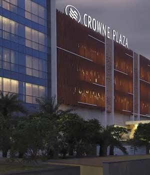 Crowne-Plaza-five-star-hotel-in-jaipur